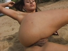 Beach gal with fabulous labia