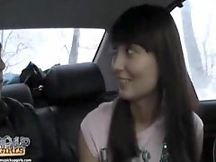 Gorgeous girl giving a blowjob and plus fucking in car