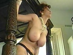 Busty Nilli Willis in classic bang chapter