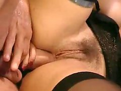 Italian eager mom likes a thick love tool in her butt