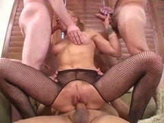 Blonde whore kirra lynne takes on three cocks at a single time