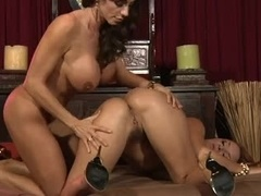 A duo big-breasted milfs get it on and also get off