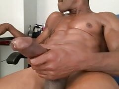 Black muscle jerk off session cam