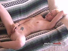 Blonde rubs her warm slot