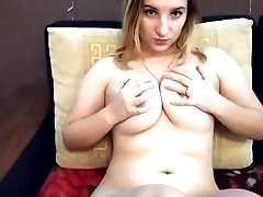 Curvy amateur homemade housewife milf on the couch - sofa solo sextape porn
